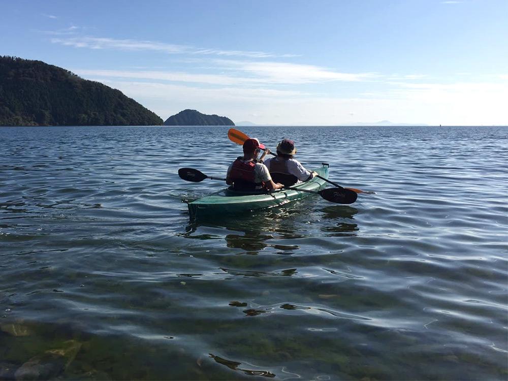 カヌー体験は菅浦集落の琵琶湖岸からスタート